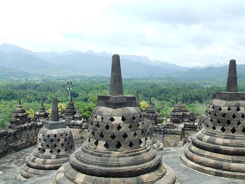 800px-Borobudur_2008.JPG
